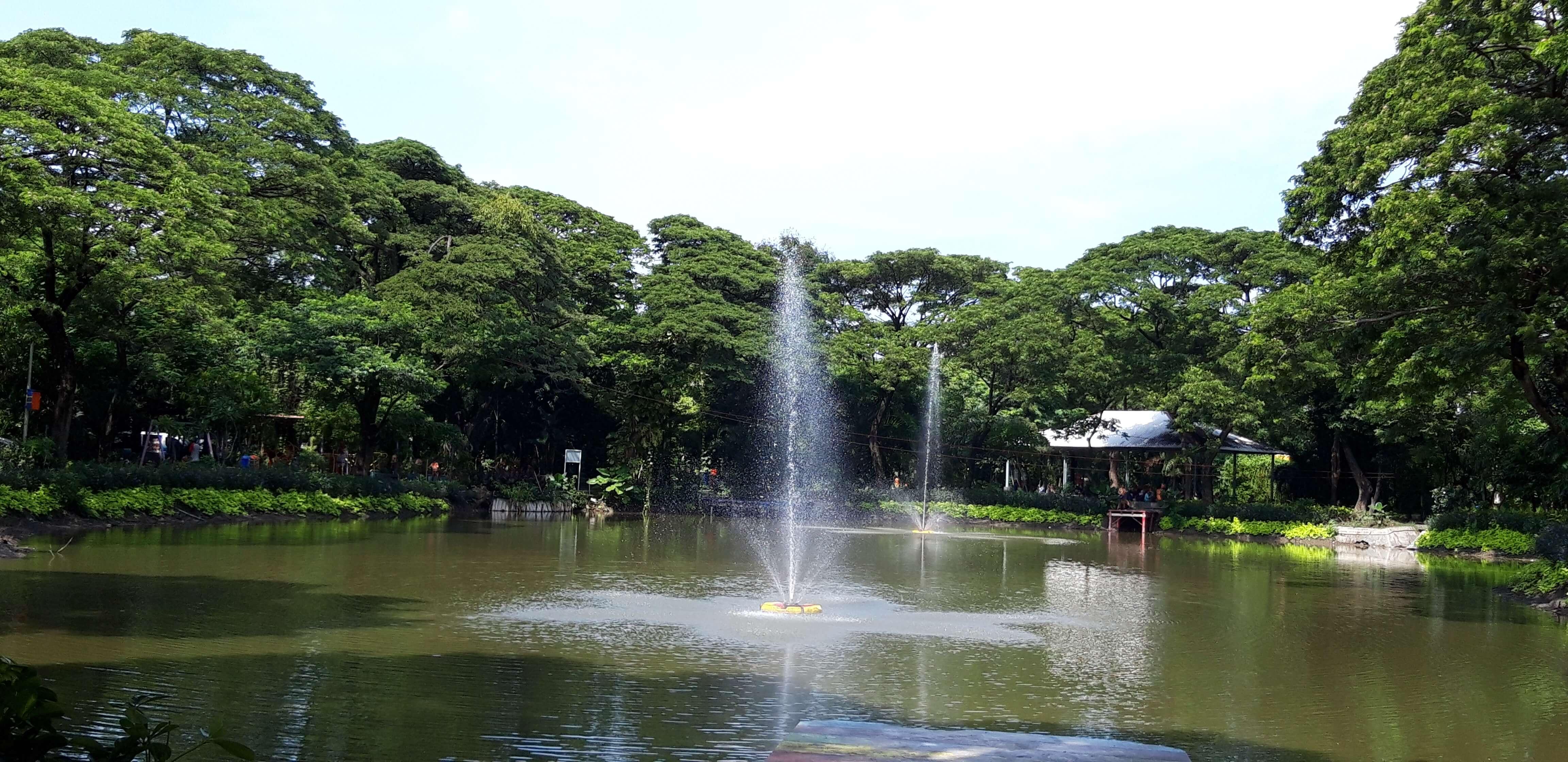taman di Surabaya